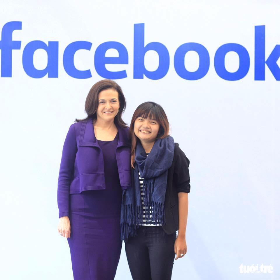 Vietnamese girl inspires Facebook COO Sheryl Sandberg with bike tour startup