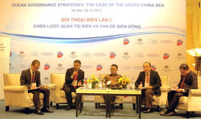 Vietnam should change maritime strategy: experts