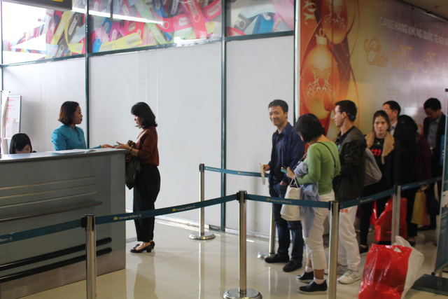 Friendly vs. functional: Tan Son Nhat staff wins over passengers while airport amenities fall short
