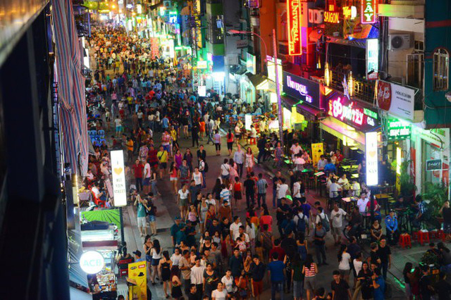 Ho Chi Minh City to consider two new walking streets in 'backpacker area'