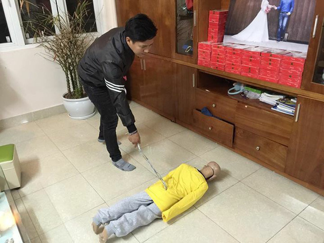 Hanoi man in custody after physically abusing 10-year-old son for over a year