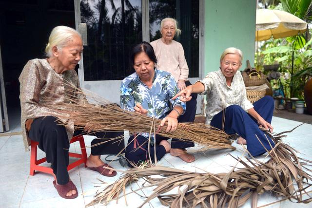 Vietnamese love for parents: it's filial affection, but not duty