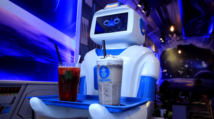 Two drinks can be served at once. Photo: Tuoi Tre