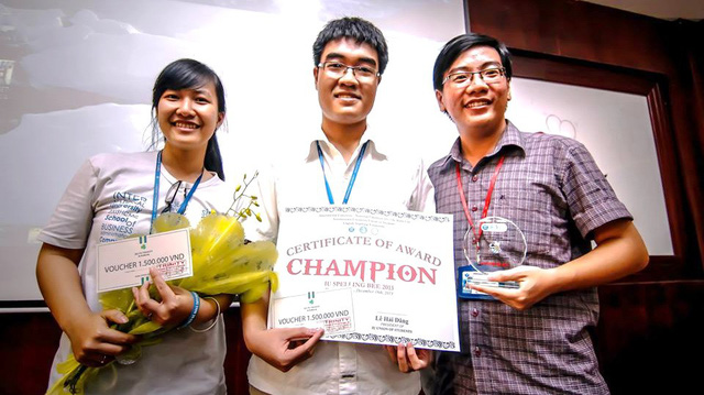 ​'Perfect student' graduates with record GPA from Vietnamese university