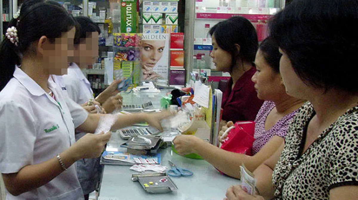 An average Vietnamese spends $56 on medicine in 2017: report