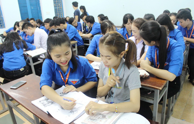 ​Vietnamese students help Laotian schoolmates learn local language