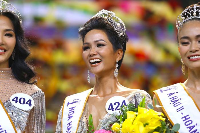 Ethnic beauty crowned Miss Universe Vietnam 2017