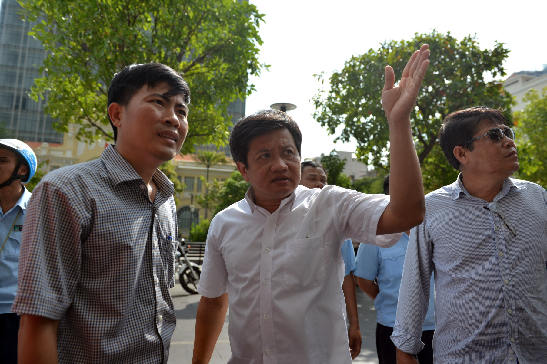 Ho Chi Minh City 'sidewalk-clearing' icon Doan Ngoc Hai resigns from all positions