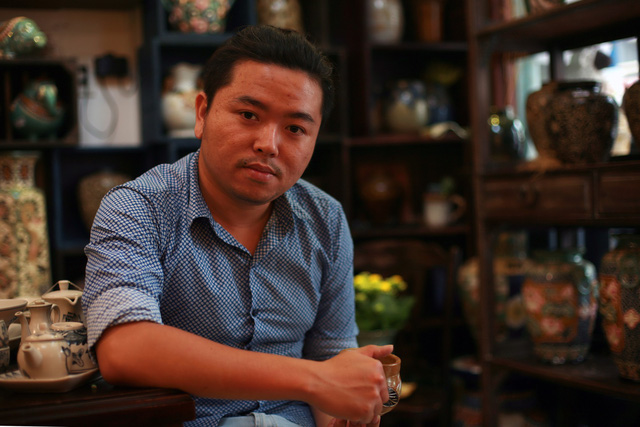 Against foreign competitors, Vietnamese man perseveres in putting homeland ceramics on map