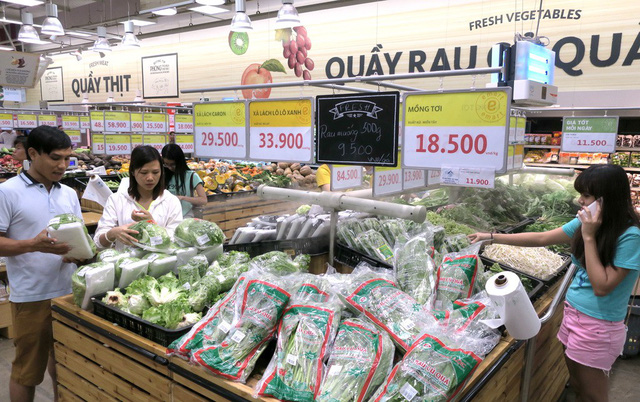 Vietnamese retailers set bar higher than national standards to reduce 'dirty' food