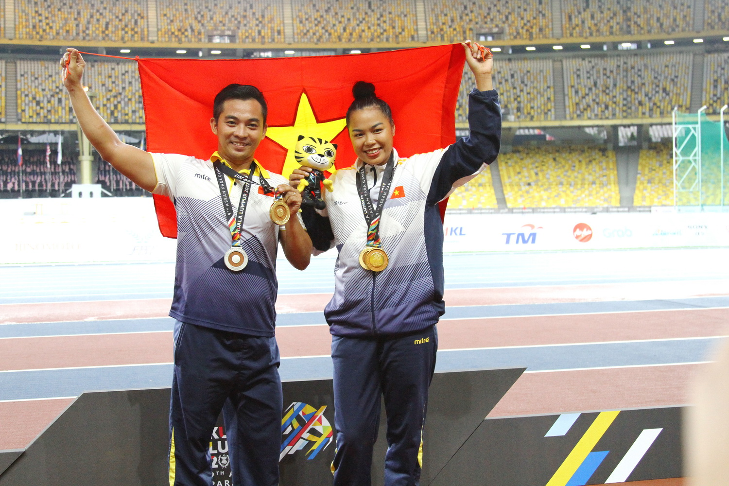 Disabled Vietnamese track-and-field athlete becomes chef, creates jobs for peers