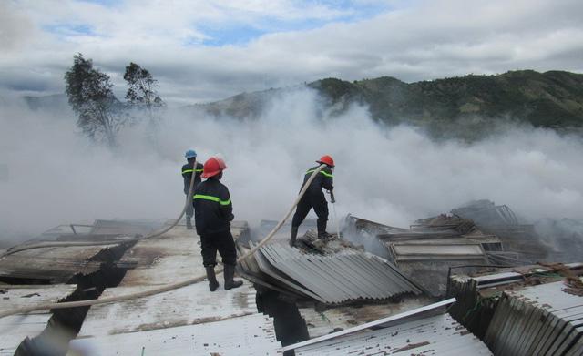 Fire destroys over 30,000 solar panels in central Vietnam