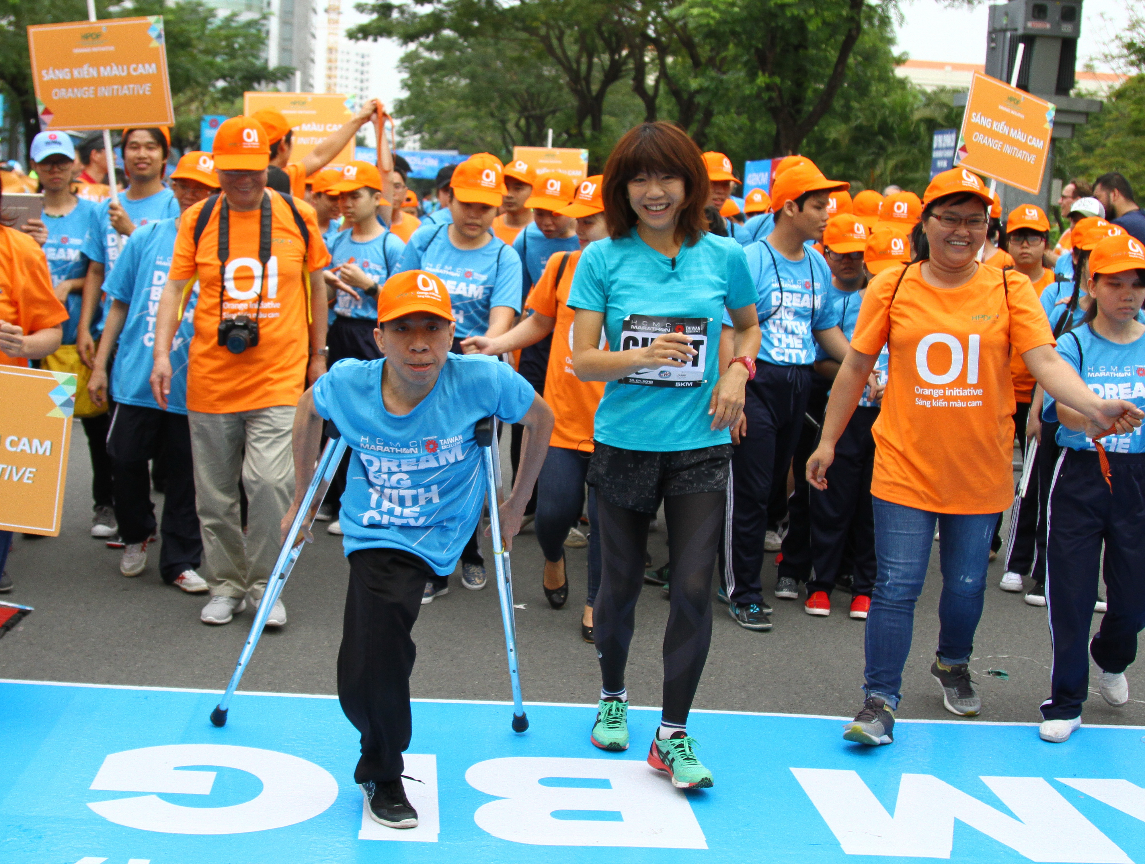 Over 8,000 join int'l marathon event in Ho Chi Minh City