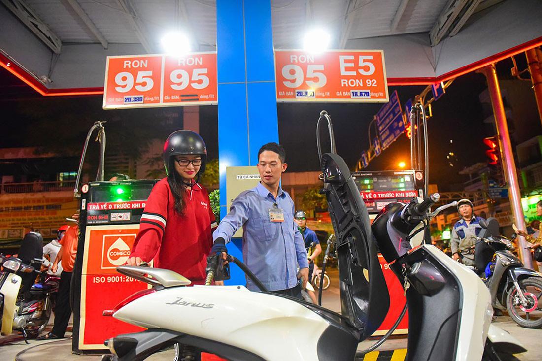 E5 biofuel gets lukewarm reception in Vietnam