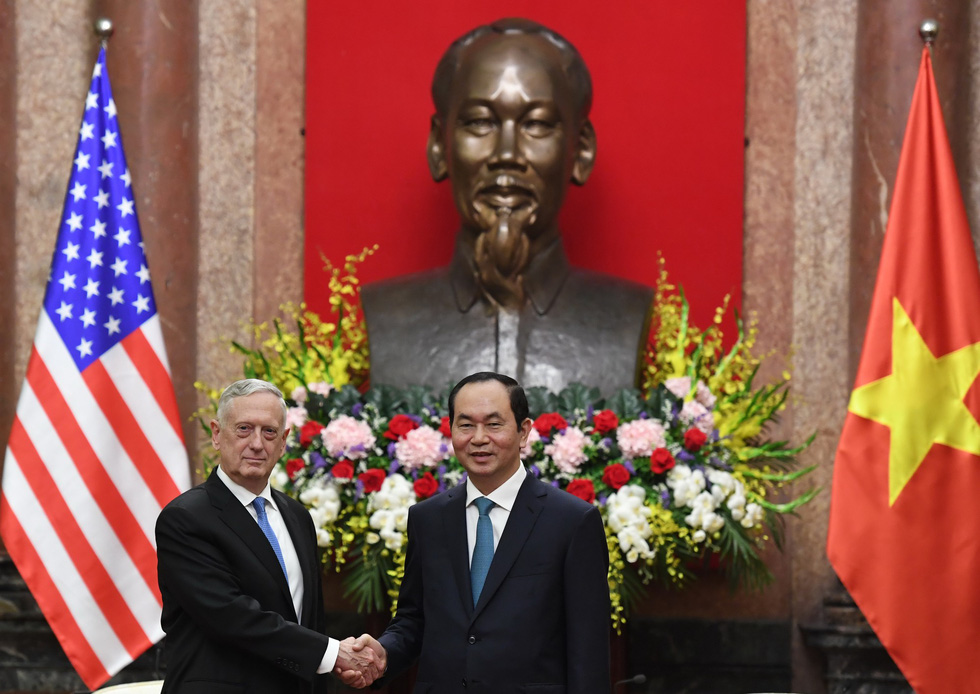 US Secretary of Defense wraps up busy day in Hanoi (photos)
