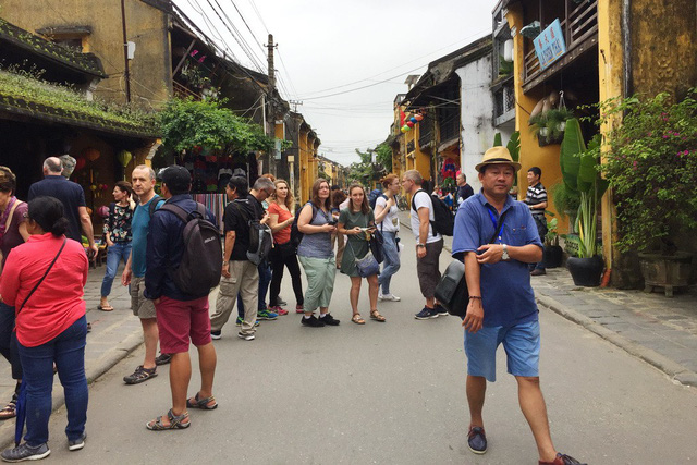 Morphing Hoi An: more problems in tourism