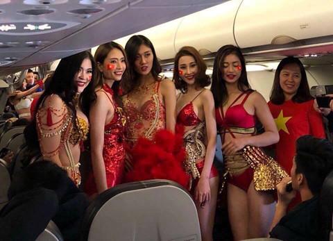 VietJet fined for bikini show on plane carrying U23 footballers home