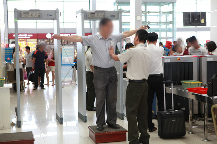 Vietnamese woman on no-fly list breezes through airport security