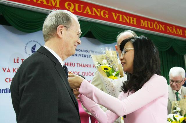8 Danish professors awarded Ho Chi Minh City Badge