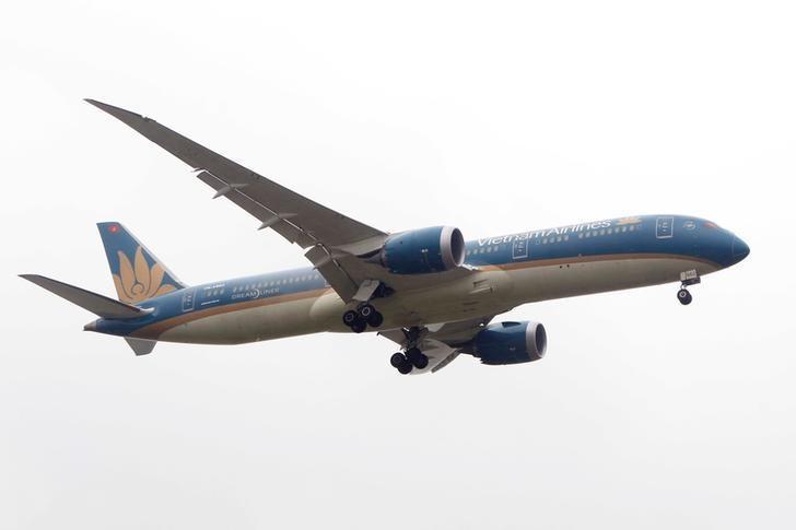 Southeast Asian airlines look to non-stop U.S. flights despite profit challenges