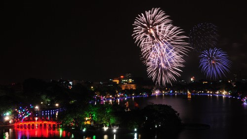 Fireworks to light up sky in 21 provinces, municipalities in Vietnam during Tet