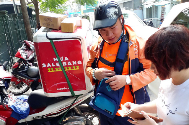 ​​Tet shopping goes online in Vietnam