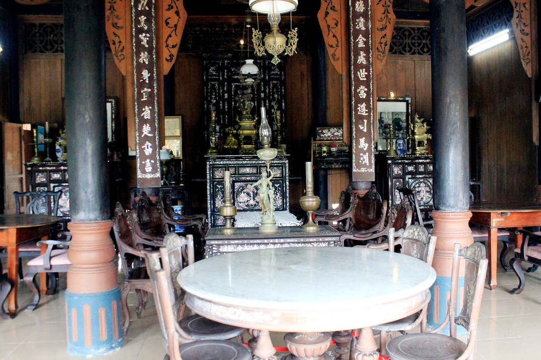 The interior of one of the ancient houses. Photo: Tuoi Tre