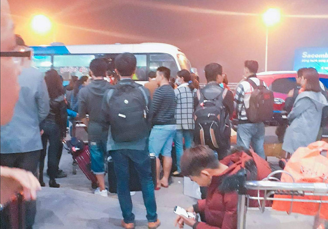 Flights diverted, canceled due to foggy weather in north-central Vietnamese city