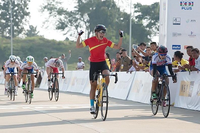 Vietnam's 'golden girl' eyes cycling gold at 2018 Asian Games