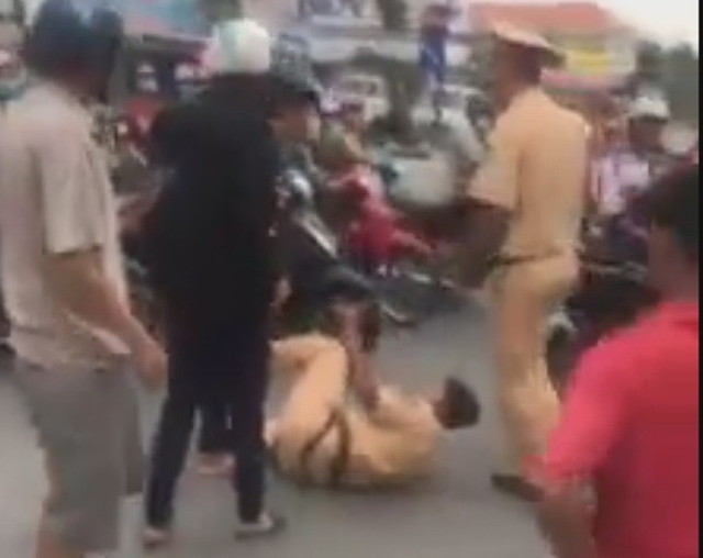 Three brothers arrested for obstructing traffic police in southern Vietnam