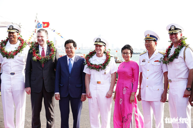 Aircraft carrier visit shows US support for strong, independent Vietnam: ambassador