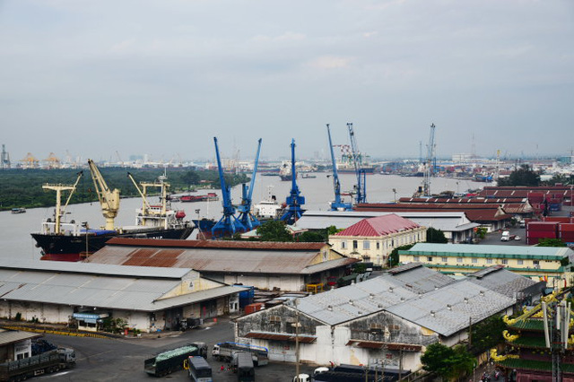 ​Ports along Saigon River to be relocated