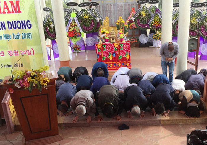 Korean people apologize to massacre victims in central Vietnamese province