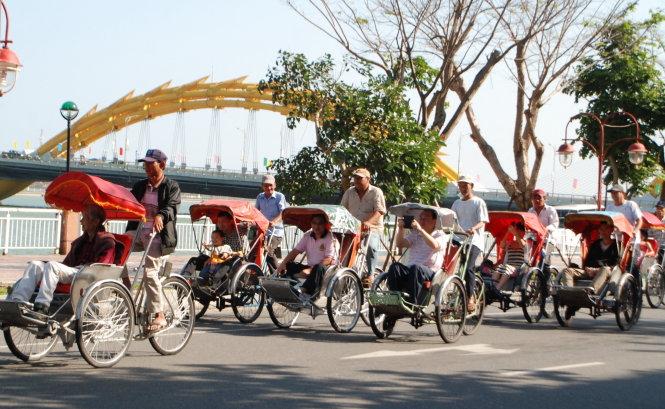 Vietnam's Da Nang operates hotline to assist visitors