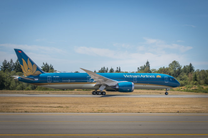 French national dies on Vietnam Airlines flight from Hanoi to Paris