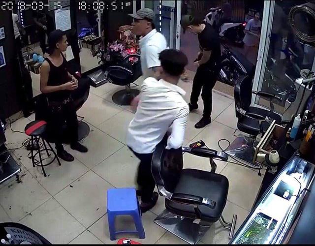 Men nabbed in shooting of barbershop owner over love affair in Vietnam