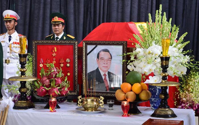 Vietnam organizes state funeral for former premier Phan Van Khai