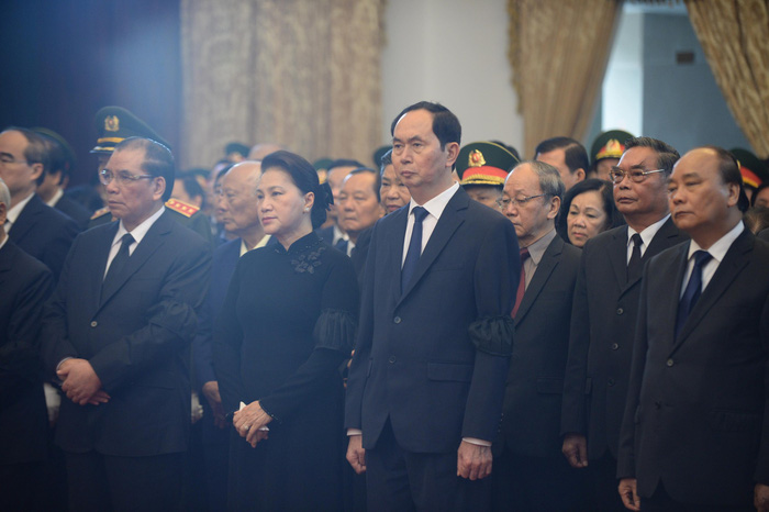 Vietnamese leaders attend the celebration of life.