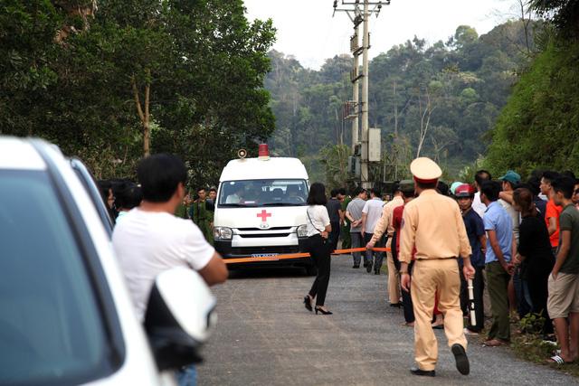 Family of three found dead in Mercedes-Benz in northern Vietnam
