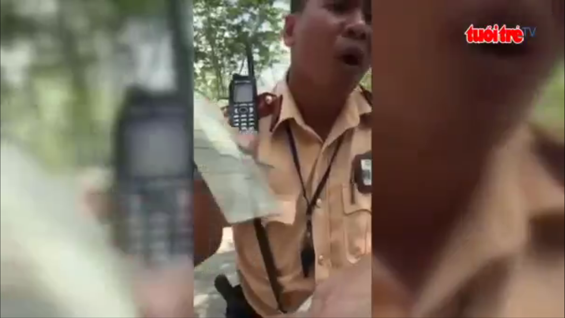 Officer scolded for telling driver int'l driving permit 'not valid' in Vietnam