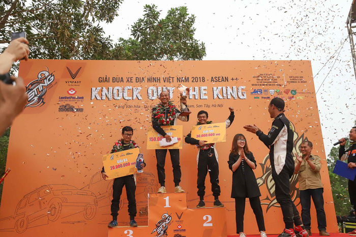 Winners of Knock Out the King 2018, held in Hanoi, between March 24 and 25, 2018. Photo: Tuoi Tre