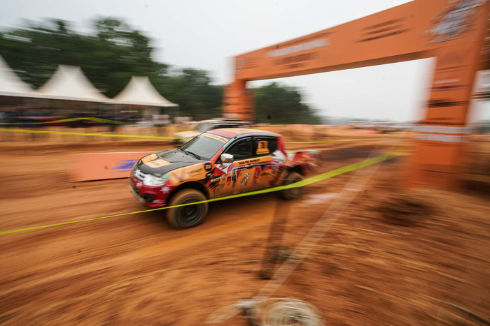 A car speeds on the course of Knock Out the King 2018, held in Hanoi, between March 24 and 25, 2018. Photo: Tuoi Tre