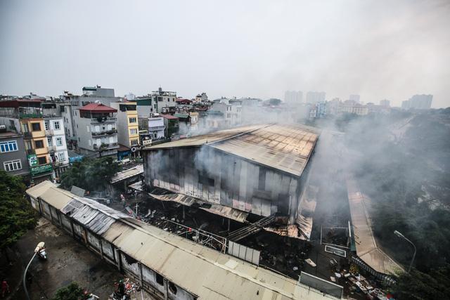 Inferno wrecks havoc on Hanoi market