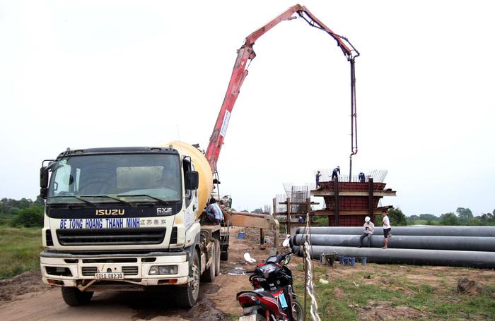 Sluggish construction plagues Ho Chi Minh City - Mekong Delta expressway