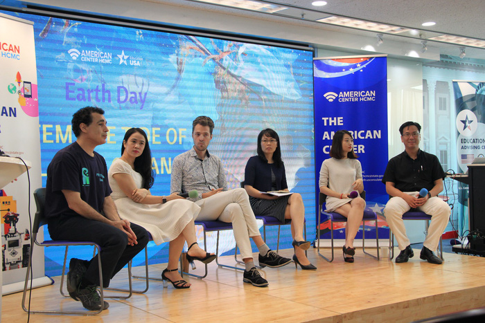 ​Vietnam generates nearly 18,000 tons of plastic waste a day: seminar