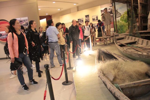 Chinese woman filmed distorting Vietnamese history at Da Nang museum identified