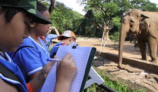 Vietnamese parents frown on children's field trips