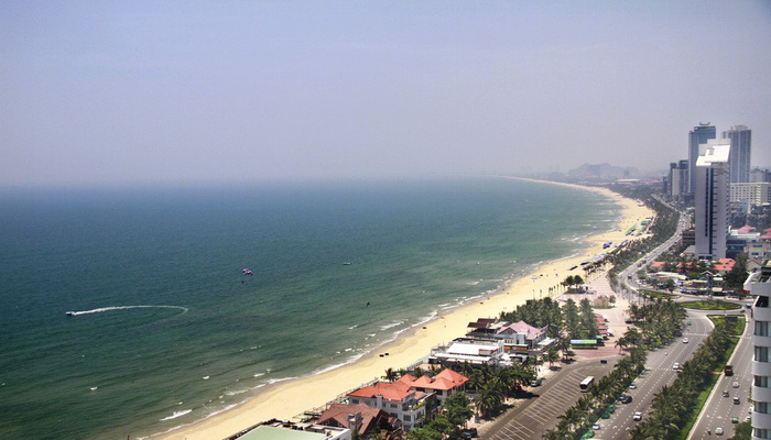 ​Da Nang to reclaim public beach access for local residents