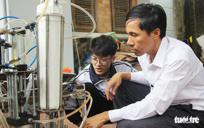 Vietnamese student unable to attend Intel science fair after US visa application rejected