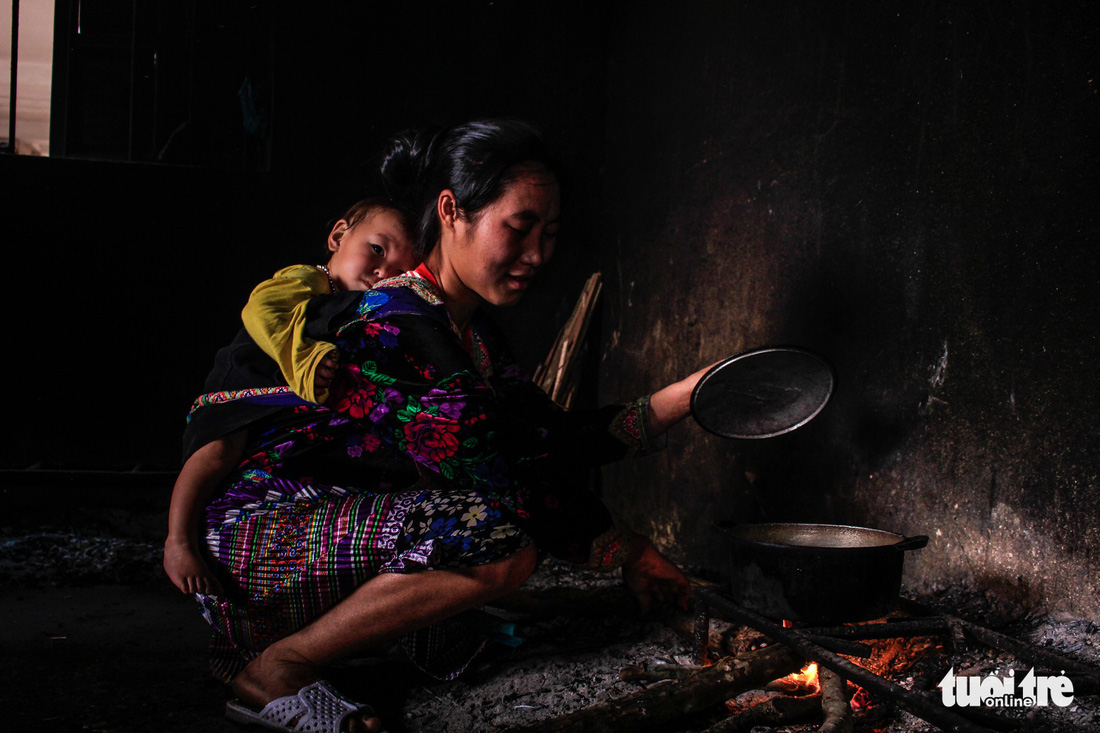 In mountainous Vietnam, medical center opens free kitchen to help needy patients' families save costs